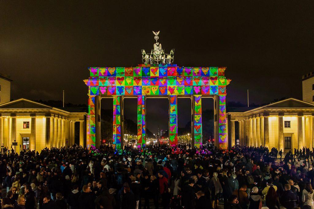Brandenburger Tor ◆ Colors of Joy ◆ präsentiert von Zander & Partner